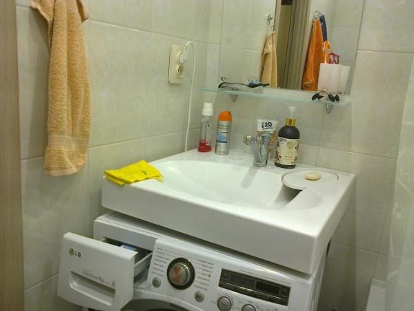 Стиральная машина в ванной комнате - полезные советы и идеи