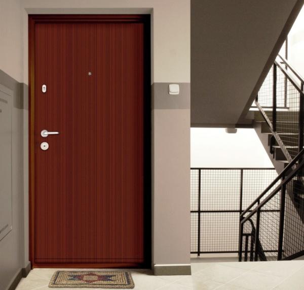 Театр начинается с вешалки, а дом с входной металлической двери.