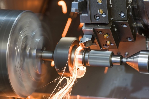 Обработка металлозаготовок на станках с ЧПУ