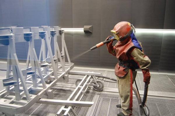 Обработка металлоизделий пескоструйными аппаратами